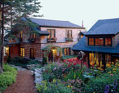 Http Www Oldhouseonline Com Rustic Cottage In Maine