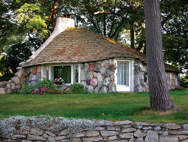 Mushroom houses of charlevoix michigan old house online for Fieldstone house
