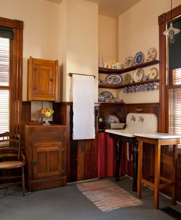 An Authentic Victorian Kitchen Design Old House Online