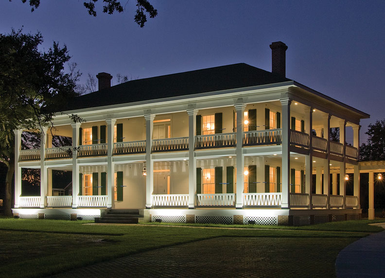 Rebuilding a historic mississippi plantation old house for Home builders in mississippi