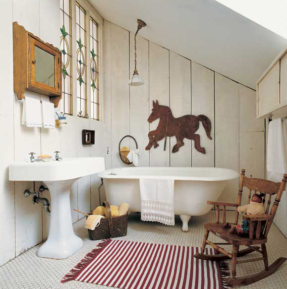 3 ways to design a bath in an early house old house for Old fashioned bathroom ideas