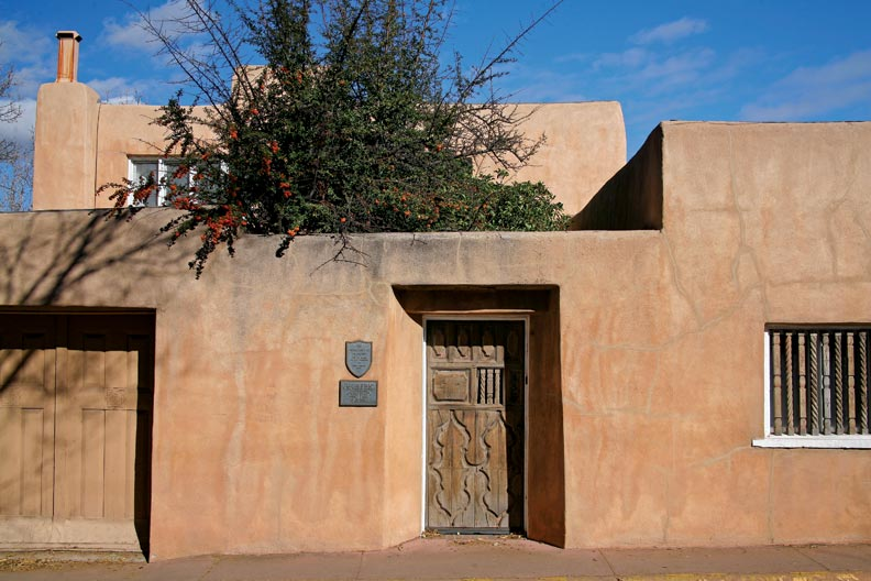 Pueblo Revival Houses in Santa Fe - Old-House Online - Old ...