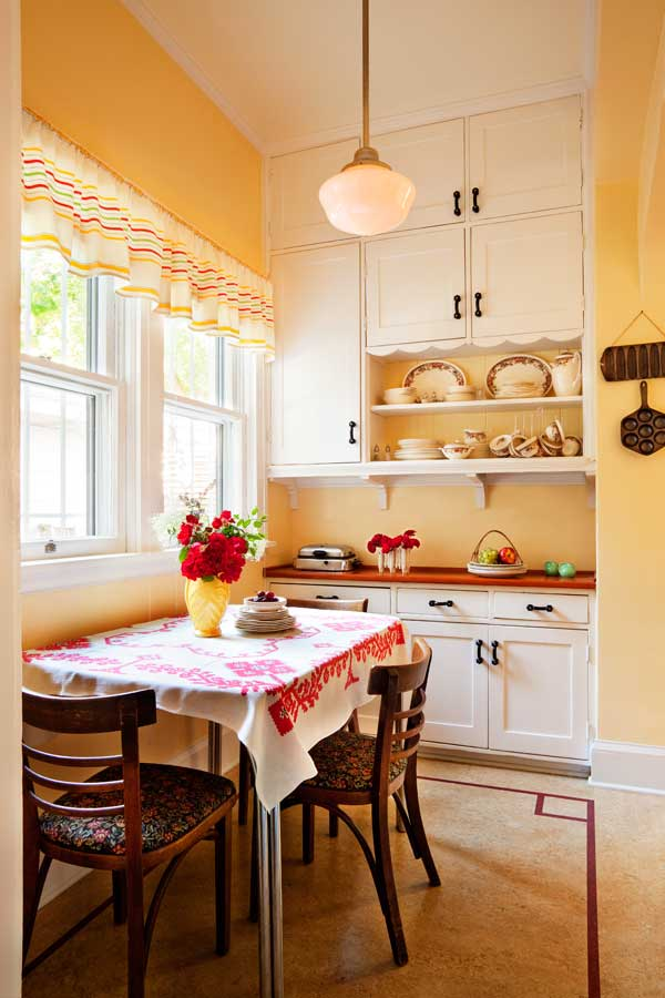 Friendly Kitchen In A 1912 Foursquare Old House Online Old House