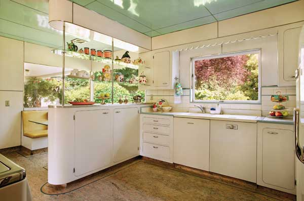 Photo gallery white kitchens old house online old for 1940 kitchen cabinets