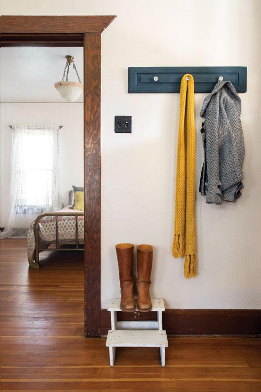 Turn Vintage Cabinet Knobs Into Hooks Old House Online