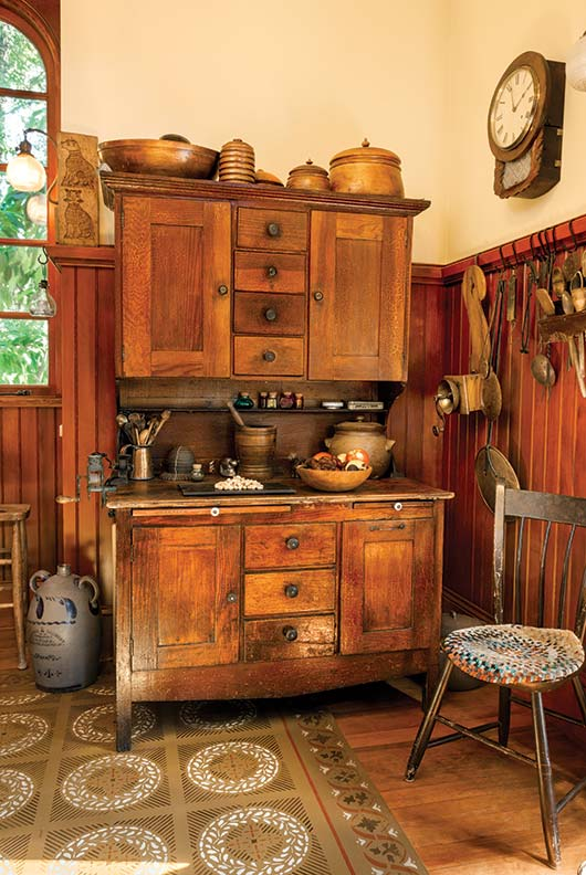 A period perfect victorian kitchen old house online for Kitchen ideas victorian