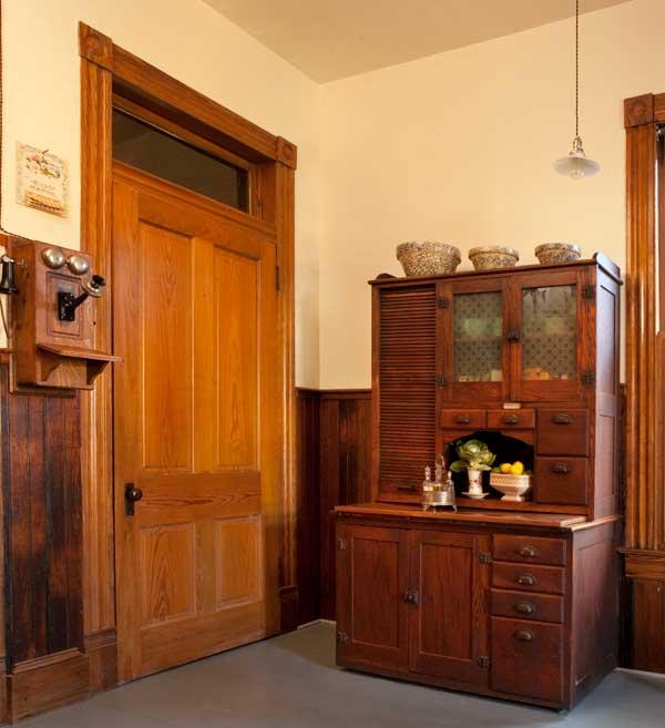 An Authentic Victorian Kitchen Design