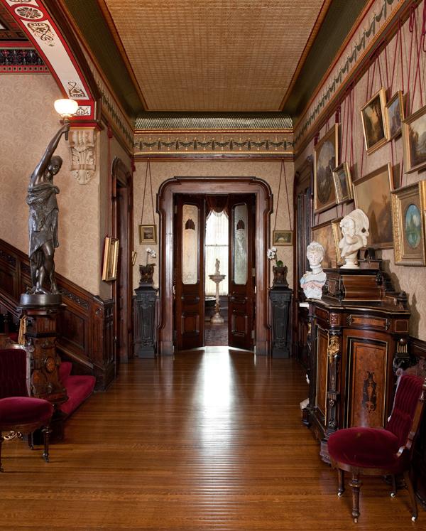 Elegant Victorian-Era Townhouse In Pittsburgh