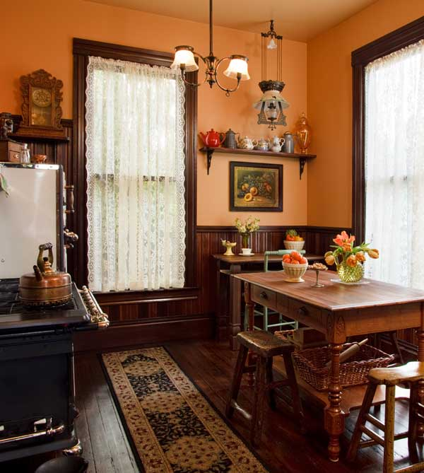 Victorian Style Kitchens: Selecting Curtains For Your Period Kitchen